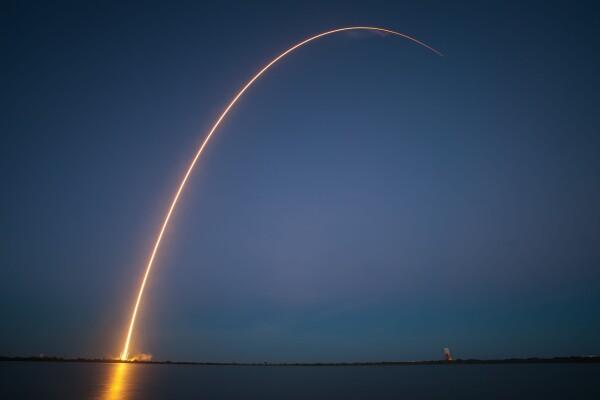 rocket-launch-693236_1280