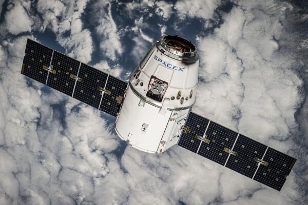 satellite-693216_1280