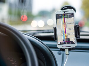 smartphone-car-technology-phone-33488