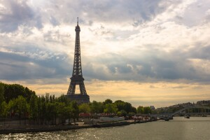 eiffel-tower-during-daytime-161853
